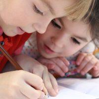 Les moyens écologiques d'amener ses enfants à l'école en ville