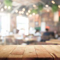 Comment rénover une table en bois ?