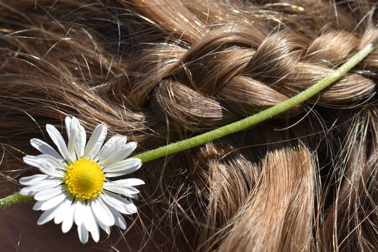 tresse accessoirisée cheveux technique